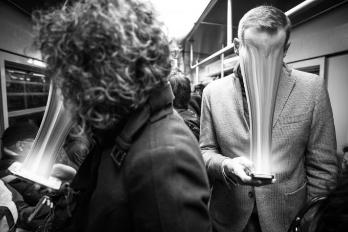 10 segnali per scoprire se sei dipendente dai Social Network